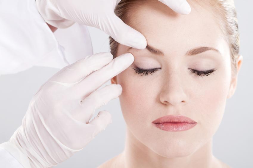 Comment se préparer à une intervention chirurgicale du visage ?